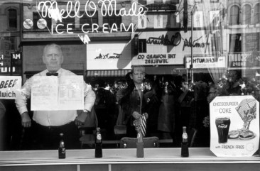 Lee Friedlander. Newark, N.J., 1962