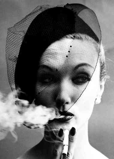 William_klein_cigarrete_1