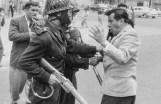 """Héctor García. De la serie """"Semana Ardiente"""", protestas del movimiento vallejista (1958)"""