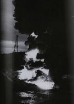 Héctor García. Incendio en pozo petrolero (ca. 1960)