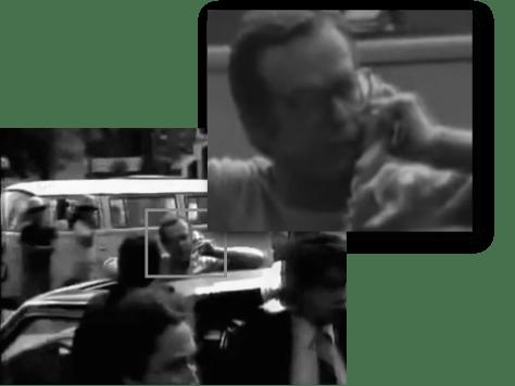 El periodista Jacobo Zabludovsky transmitía en vivo gracias al teléfono satelital que tenía instalado en su coche.