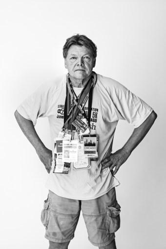 Al Podgorsky con sus credenciales de fotoperiodista. Fue despedido por el Chicago Sun Times. Foto cortesía de Poynter