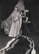 cecil_beaton_queen_elizabeth_ii_coronation_1