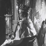 cecil_beaton_queen_elizabeth_ii_coronation_2