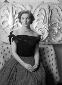cecil_beaton_royalty_duchess_of_devonshire