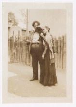 Fotógrafo no identificado. Diego Rivera y Frida Kalo con un mono araña.