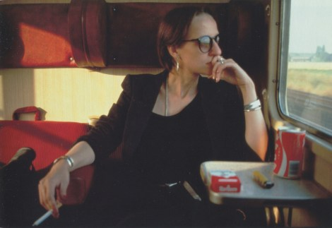 Suzann en el tren. Wuppertal, Alemania Occidental, 1984