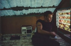 Brian en la cabaña. Puerto Juárez, México. 1982
