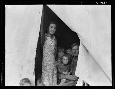 dorothea_lange_Brawley, Imperial Valley, In Farm Security Administration (FSA) migratory labor camp. See 19201 for complete background_feb1939