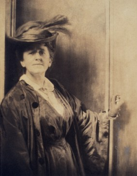 Gertrude_Käsebier_by_Adolf_de_Meyer