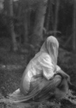 imogen_cunningham_veiled-woman-1910