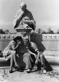 Fotograf: Friedrich Seidenst¸cker Aufnahmedatum: 1947 Aufnahmeort: Berlin Inventar-Nr.: Se 1-0558 Systematik: Geschichte / Deutschland / 20. Jh. / Nachkriegszeit: Berlin 1945-49 / Bevˆlkerung / Jugendliche / Freizeit