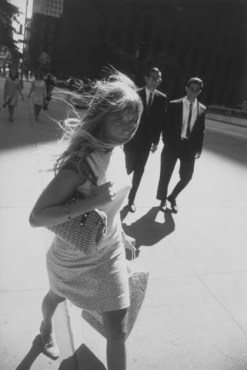 © Garry Winogrand