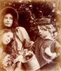 Julia_Margaret_Cameron_oenf__31Blackberry_Gathering_by_Julia_Margaret_Cameron1-874x1024