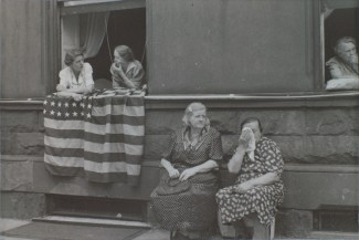 R107 Levitt Untitled NYC Woman in window with American Flag 001