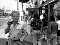 Winogrand on Hollywood Blvd near Las Palmas, photo by David Fahey. c. 1982_Garry_Winogrand_Portraits_Winogrand on Hollywood Blvd near Las Palmas, photo by David Fahey. c. 1982
