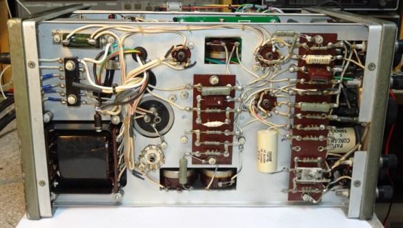 Toshiba ST-1248D Oscilloclock - Underneath