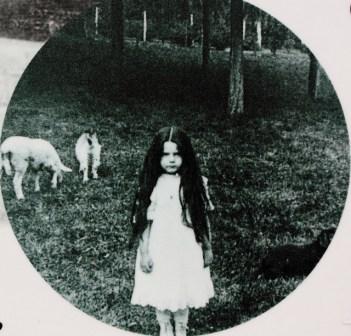 Crédit photo : franzconde Marguerite Yourcenar, âgée de cinq ans