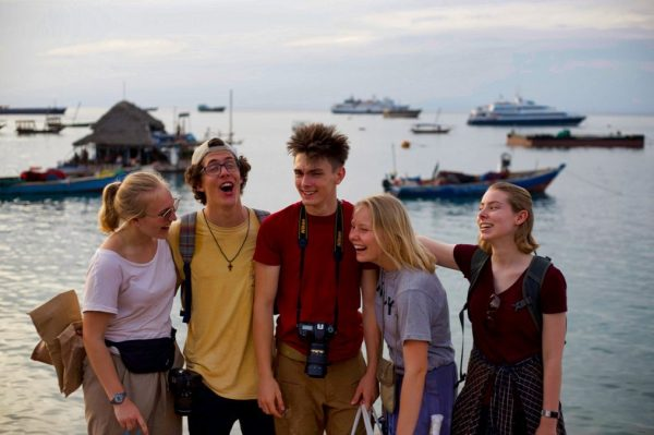 10 Reasons Why You Should Study Abroad in High School