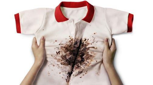 오염된 흰색옷