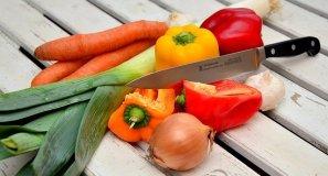 날카로운 칼을 이용해 자른 야채들.