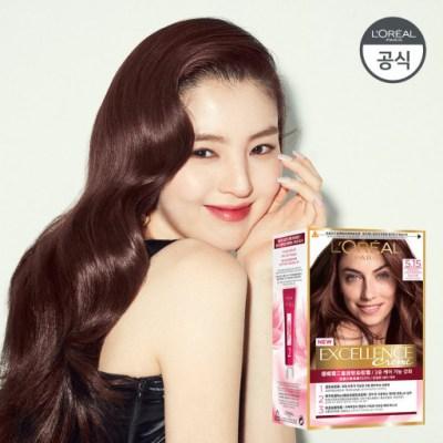 배우 한소희가 모델로 광고하는 로레알 엑셀랑스 크림 염색약의 모습이다.