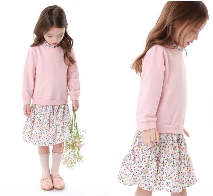 딸기우유 빛깔의 티셔츠와 시원한 스커트를 레이어드한 오즈키즈의 핑크소녀 원피스