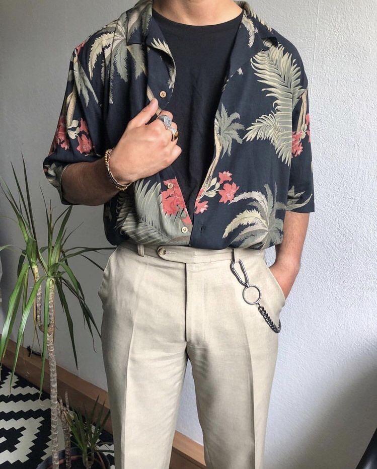 화려하게 연출을 하고 싶을 때에는 하와이안 셔츠와 코디하기