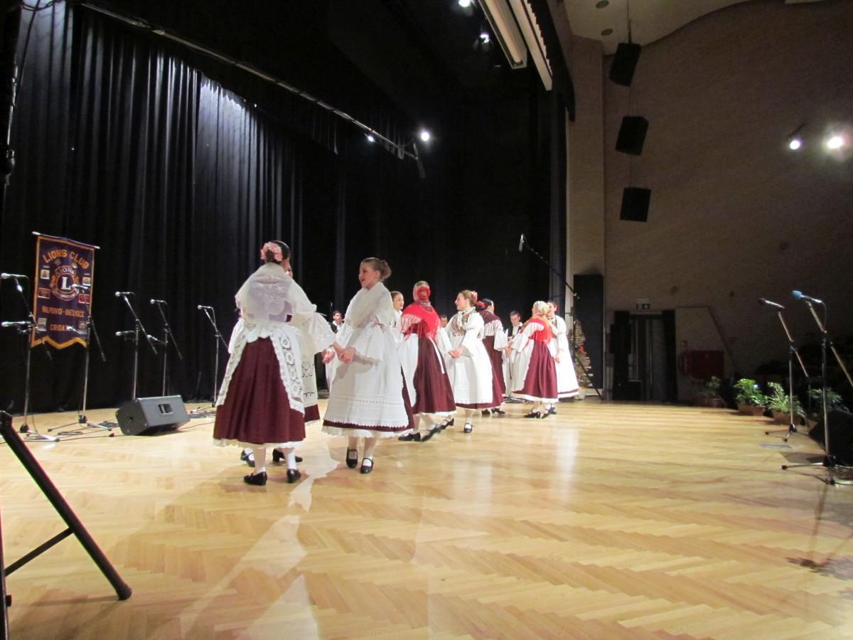 humanitarni_koncert_201512120203
