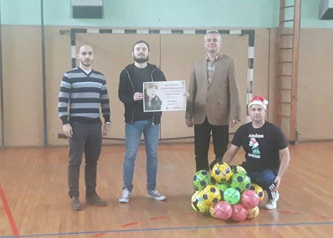 Karašicka Republika donirala sportske rekvizite našoj školi