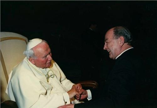 P. John Neuhaus s Janem Pavlem II. (foto First Things)