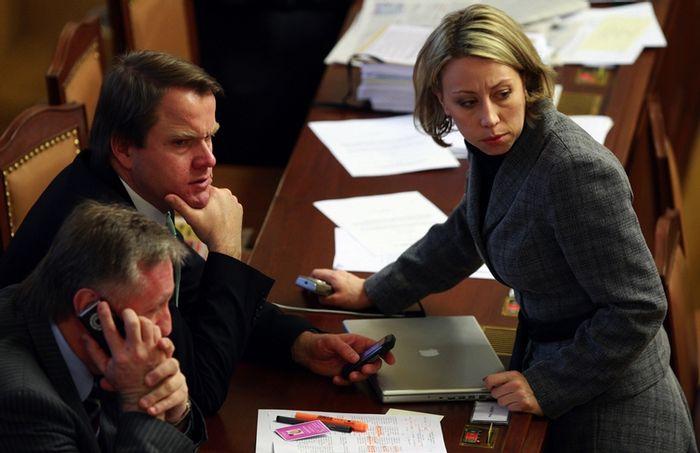 Martin Bursík, Kateřina Jacques a MacBook Pro. (Starší snímek.)