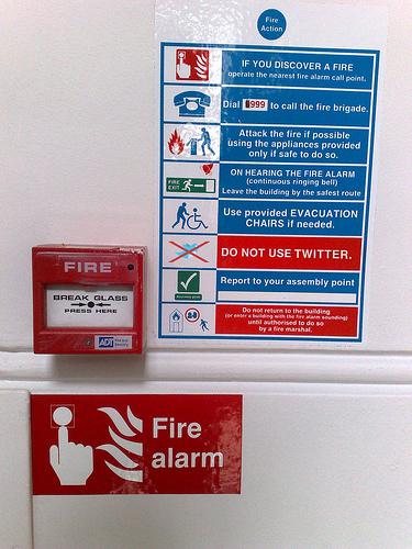 V případě požáru... nepoužívejte Twitter!
