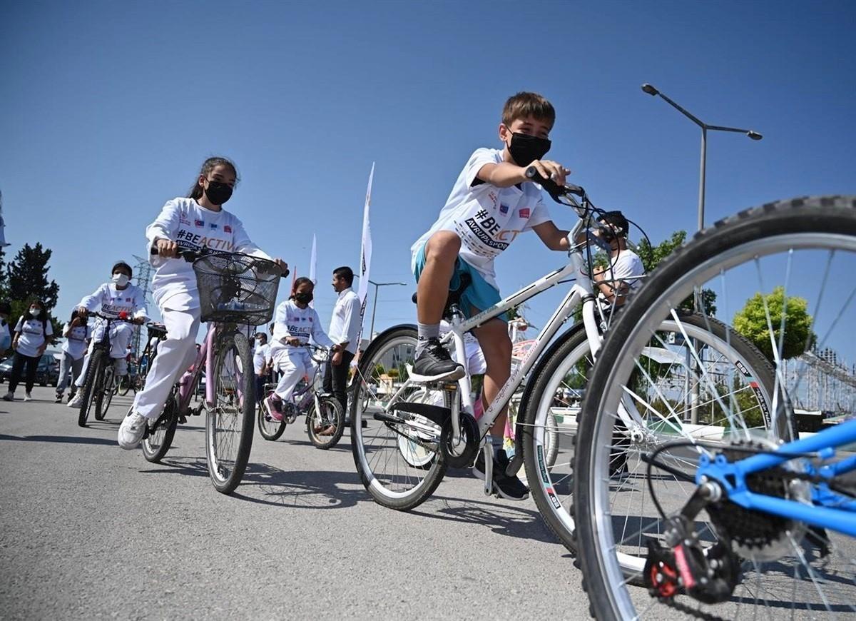 """""""Avrupa Spor Haftası"""" etkinlikleri kapsamında bisiklet turu düzenlendi"""