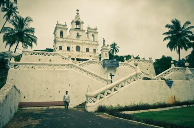 A belíssima Igreja de Nossa Senhora da Imaculada Conceição, b