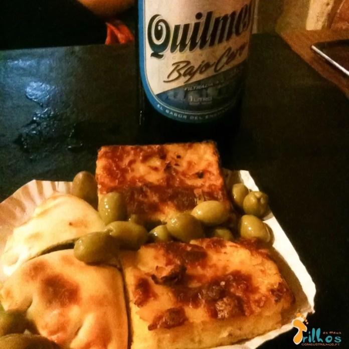 Empanadas, cerveza Quilmes y aceitunas :-)