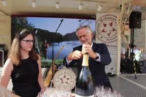 Der Osnabrücker Weinsommer ist am Donnerstagabend gestartet. Foto: Henning Hünerbein