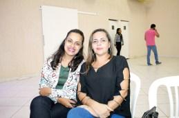 A empresária e proprietária da Casa do Porco, Milena Braga e a empresária e proprietária da Agência Impacto, Luciene Sampaio, no evento circuito empresarial em Teixeira de Freitas