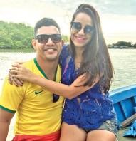 Parabéns aniversariante do mês a simpática Farmacêutica, Fernanda Mendes ao lado do seu esposo o Bacharel em direito,Pablo Silva, Felicidades minha amiga!!