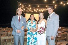 Os pais do noivo, Antônio Carlos e Ismália Oliveira, Rodrigo e Zeila