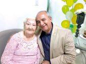 Dona Cesar e o primogênito Jadilson Moraes