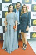A empresária e proprietária do Bazar Fashion, Daniela Boa Morte, o diretor operacional da 3R Transportes, Rogério Furlan, com sua namorada Marcela Guedes, no evento do Destaque Empresarial