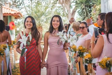 Mari e Fernanda Lara felizes pelas bodas de ouro dos avós