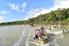 Desfile de barcos pelas águas do Rio Alcobaça (3)