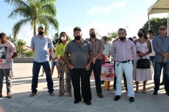 lajedao prefeito tonzinho limpeza publica prefeitura gari entrega de uniforme caminhao tele entulho compactador (13)