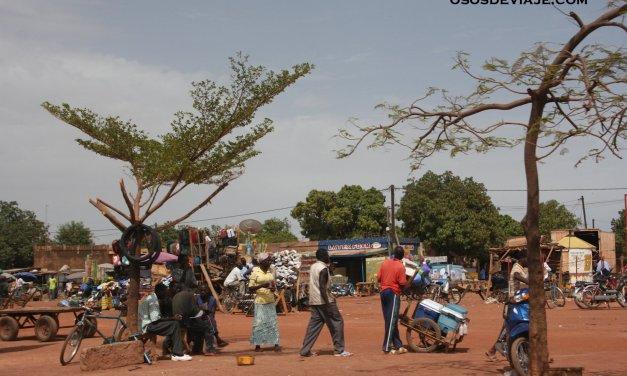 LLegada a Burkina Faso: El pais de los hombres dignos.