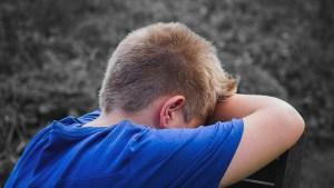 Entrar a las 8 de la mañana es negativo para los y las adolescentes