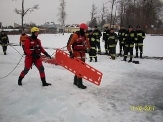 Ćwiczenia na lodzie (10)