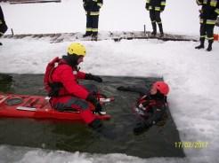 Ćwiczenia na lodzie (12)