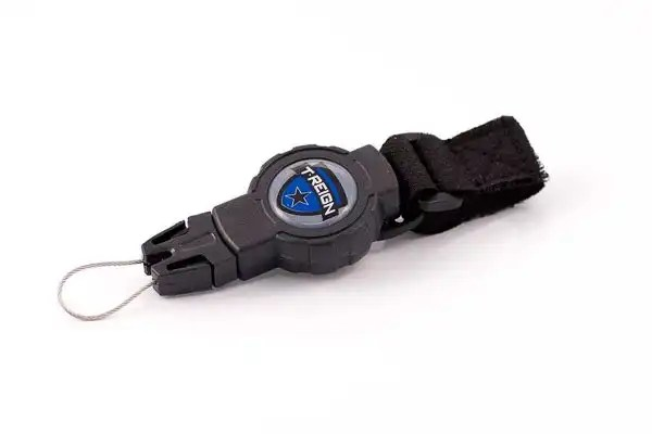 Retractable Tether Small 3
